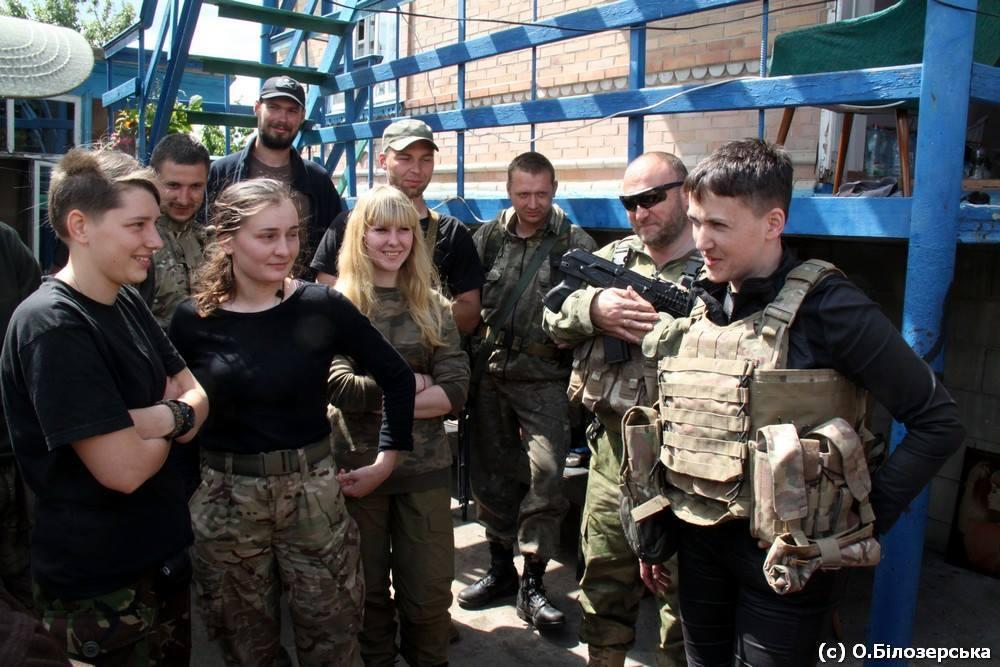 Дмитро Ярош і Надія Савченко зустрілися на передовій