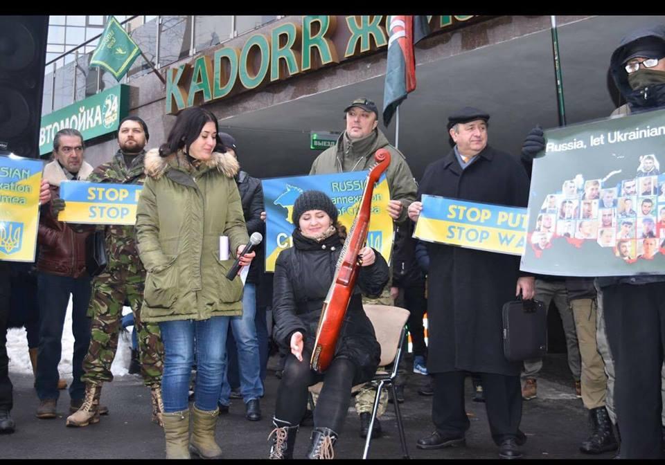 Б'ємо московських імперіалістів на всіх фронтах!