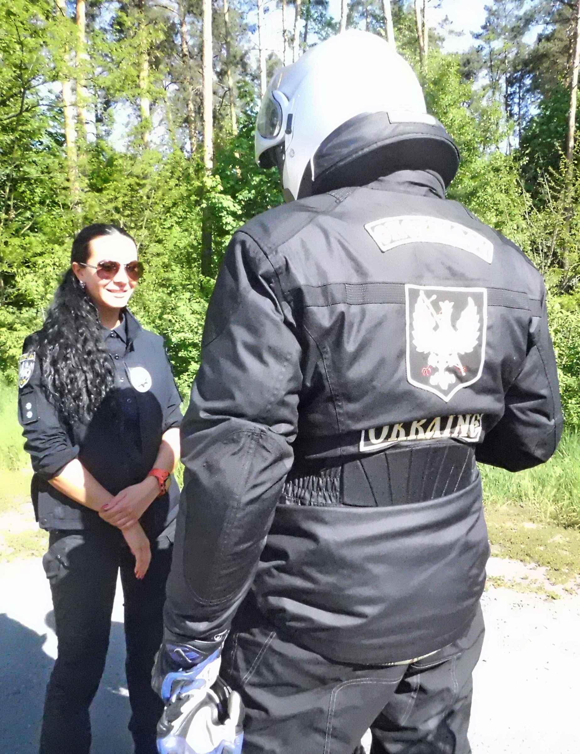 Чернігівський осередок з нагородою від Провідника